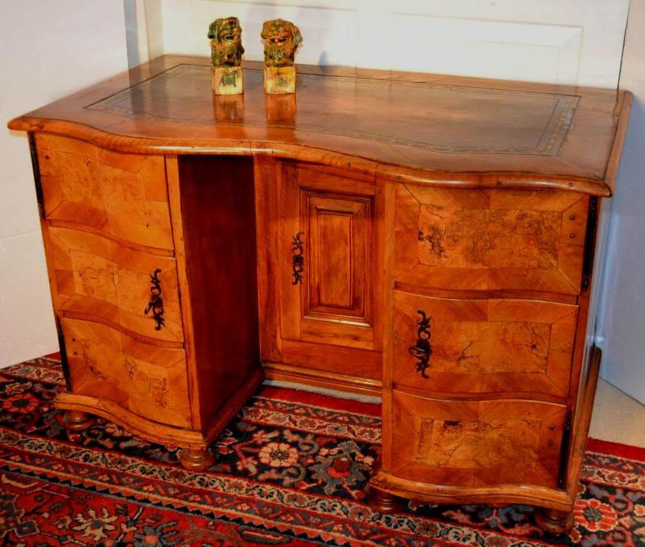 Continental Knee-hole Desk
