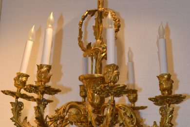 French cast bronze neoclassic chandelier