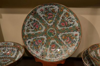 Rose Medallion type Chinese export porcelain Large Round Bowl