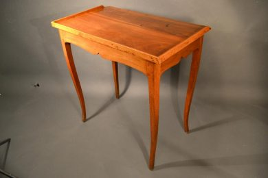 French petite desk with a tray edge, provincial late 18th century.