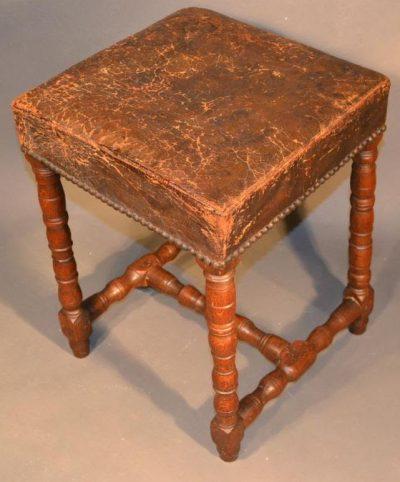 Baroque era stool