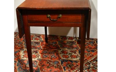 American Hepplewhite Mahogany Pembroke Table, late 1700s